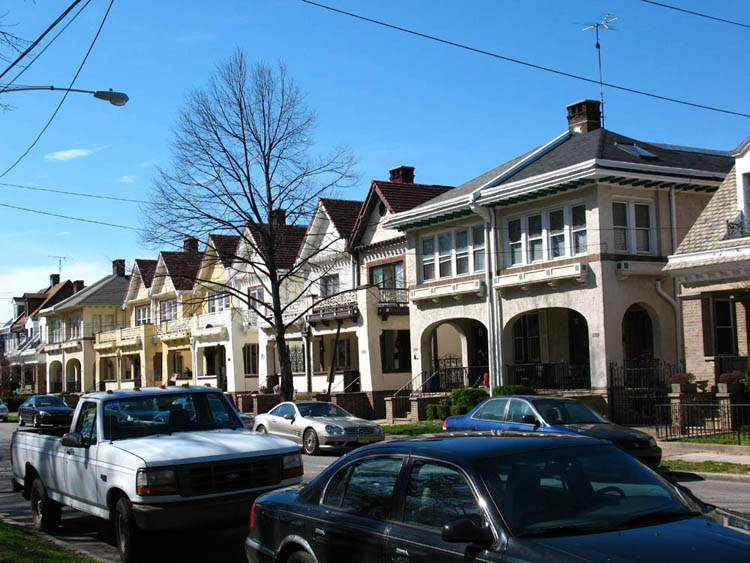 Homes For Sale On Girard